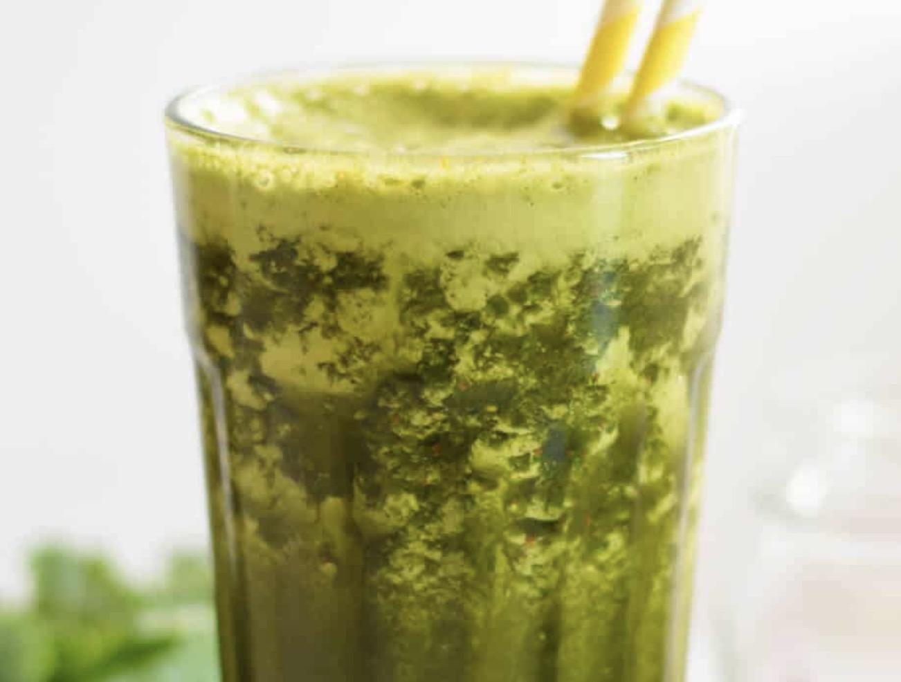 Green Goji Berry Smoothie